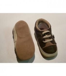 Bruin baby schoen / slofje -Melton