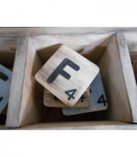 Scrabble letter F